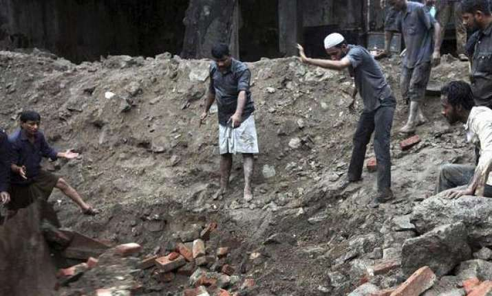 mumbai building collapse death toll goes up to seven