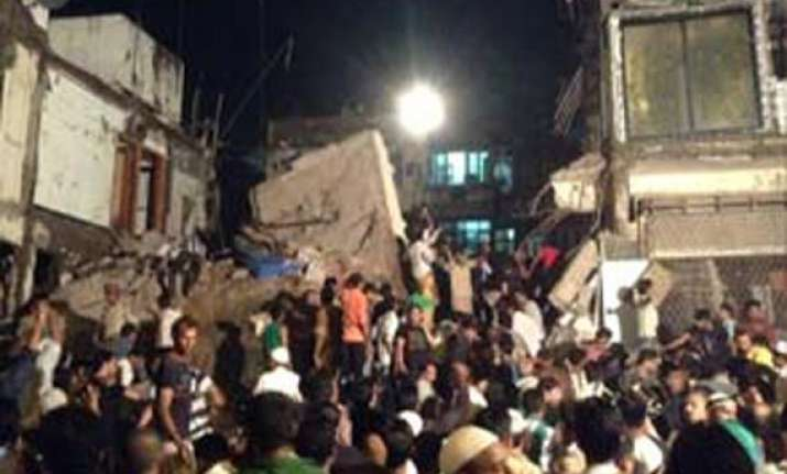 death toll in mumbai building collapse goes up to 10