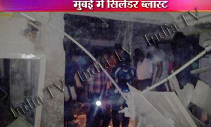 four persons killed in thane gas cylinder blast