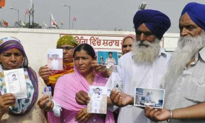 free phone calls for families of punjabis stranded in iraq