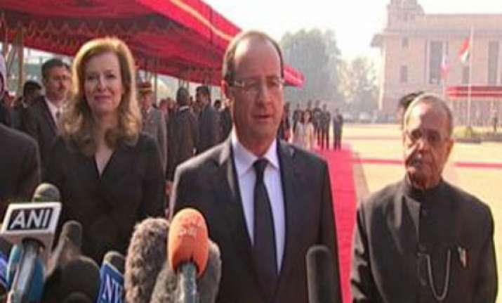 french president visits lafarge lab in mumbai