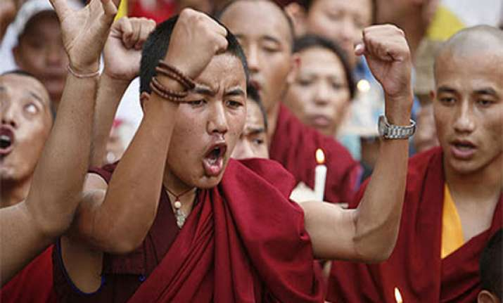 french senate adopts resolution on tibet