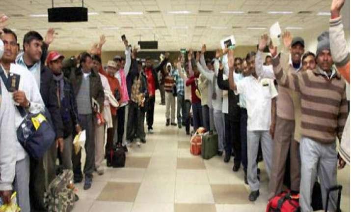 fresh passports to indians returning from libya