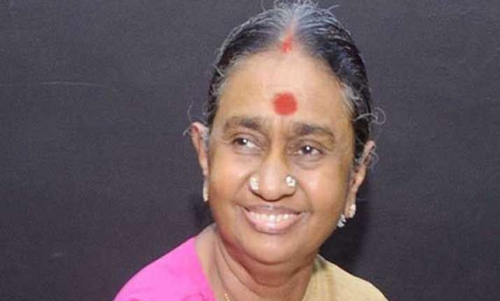 2g scam ed issues fresh orders against karunanidhi s wife