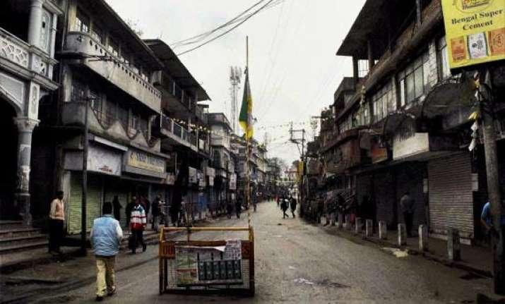 gjm calls indefinite shutdown in darjeeling hills
