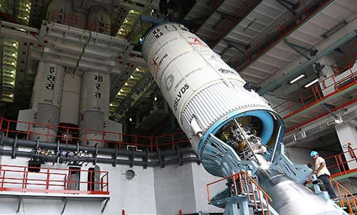 gslv d5 to be launched on monday afternoon