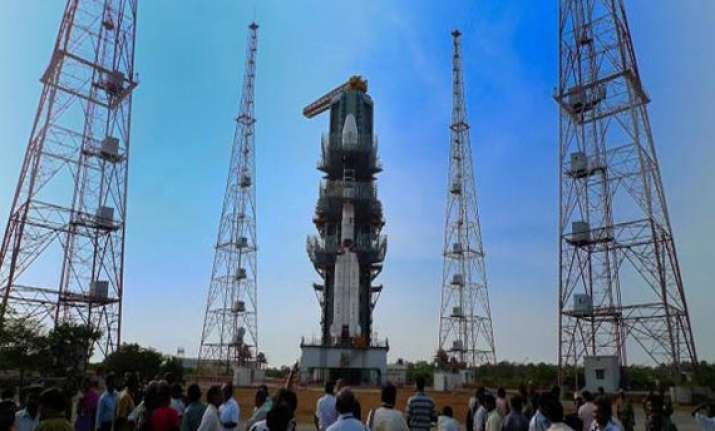 gslv flight with indigenous cryogenic engine only in dec