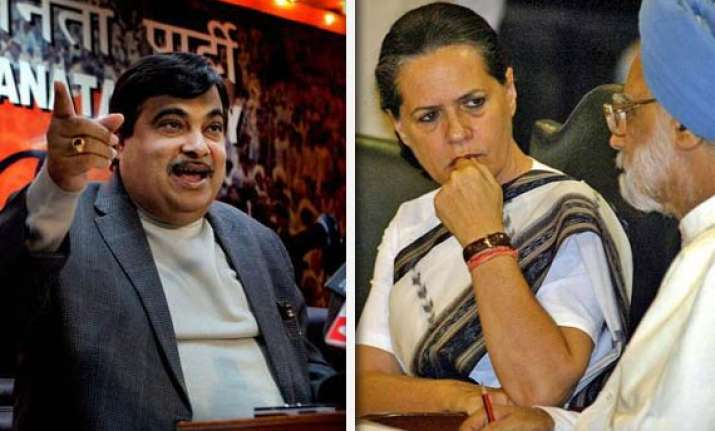 gadkari asks pm sonia tell us how to live on rs 32 a day