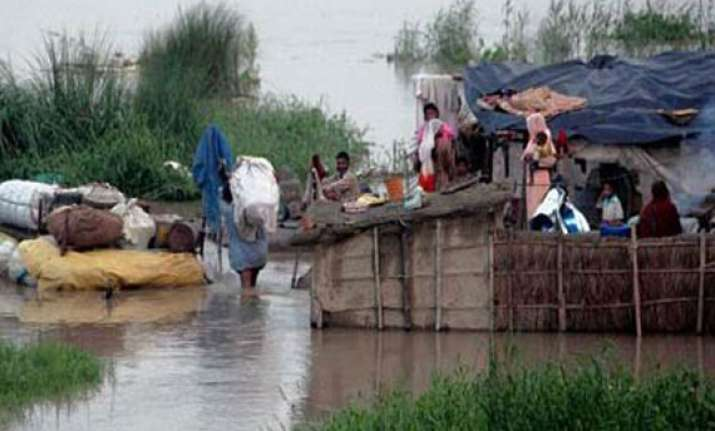ganga in spate 15 villages inundated in maldah