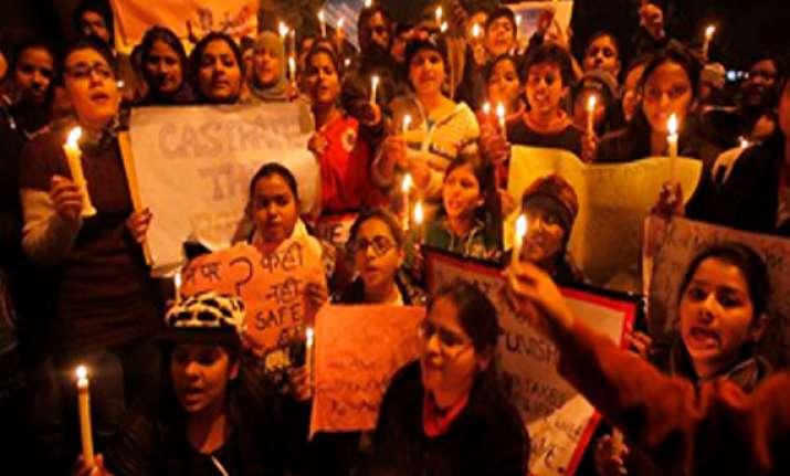 delhi gangrape victim s condition deteriorates 2 acps