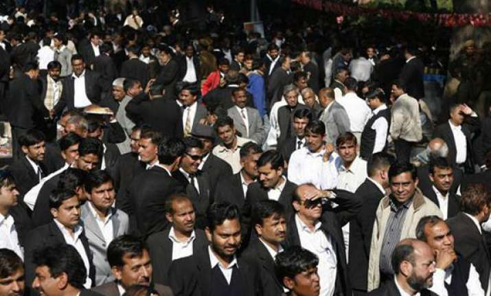 ghaziabad lawyers agitation turns violent