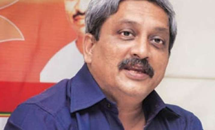 girls not safe on up roads after 6 pm says goa chief