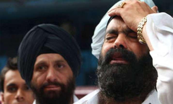 give death certificate to delhi blast victim s kin court