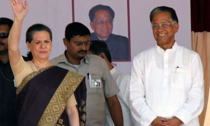 gogoi defends sonia rahul after poll drubbing