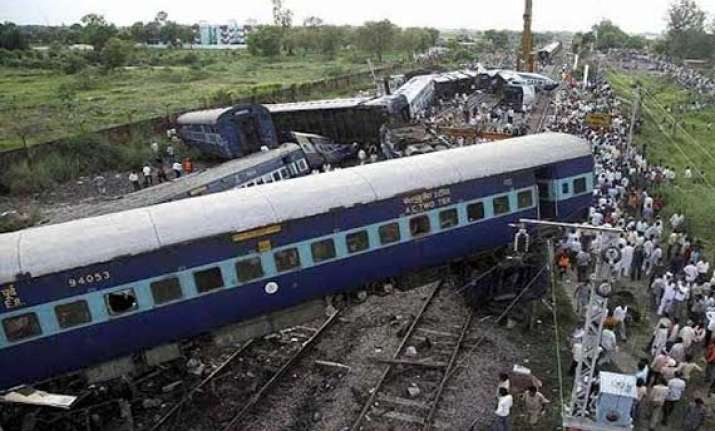 gorakhdham express collision due to failure of equipment