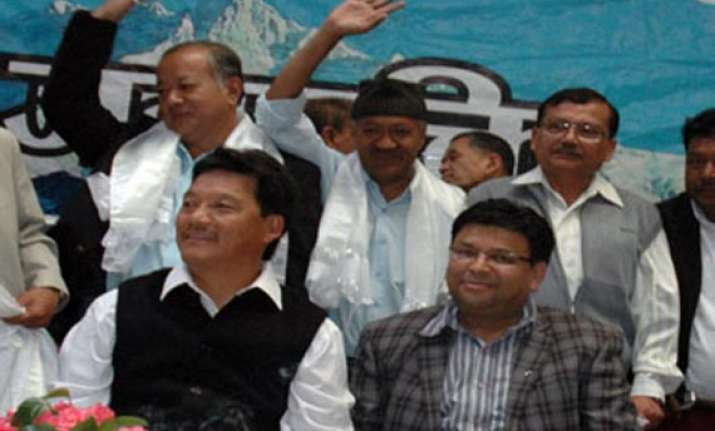 gorkhaland people will gear up if telangana state is formed