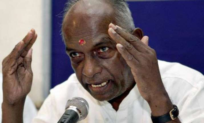 govindacharya criticises congress bjp over corruption