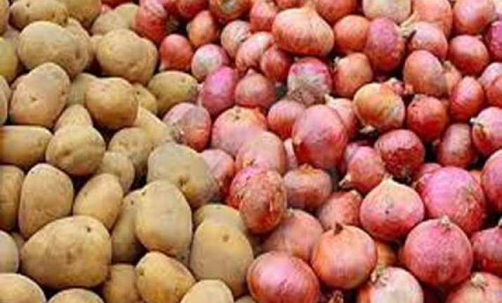 govt puts stock limits on onion potato to check prices