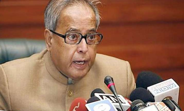 govt distances itself from decision on hike in petrol prices