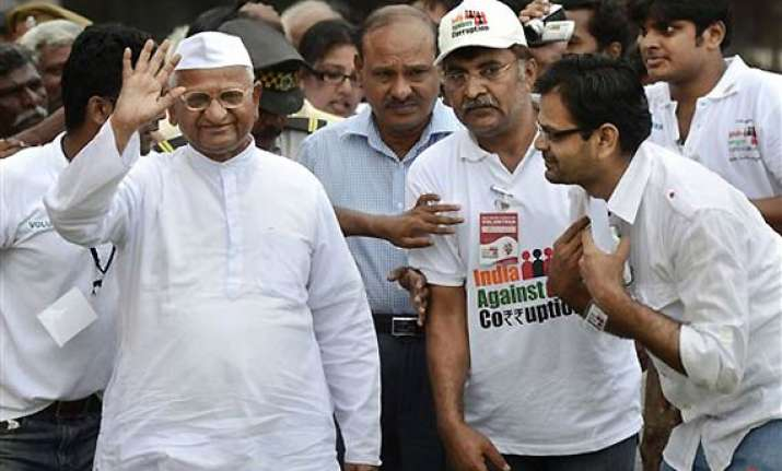 govt has done nothing against graft anna hazare