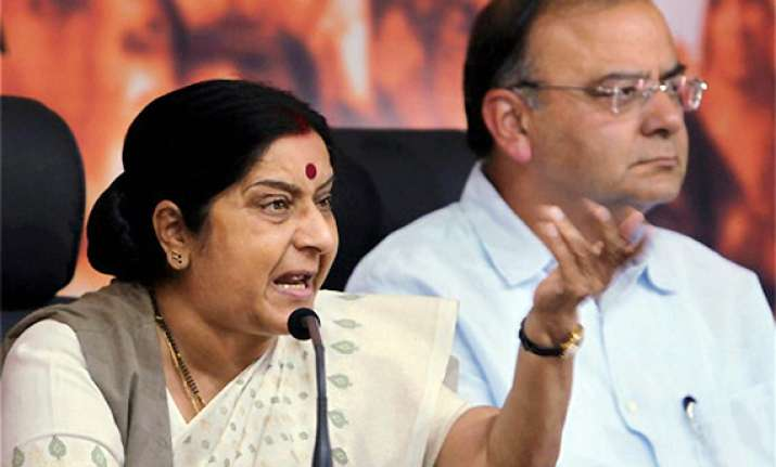 govt has lost its moral right to rule say jaitley sushma