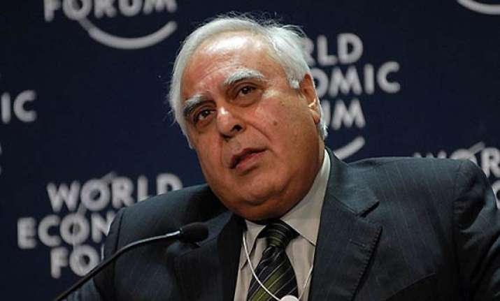 govt has no intention of interfering with social media sibal