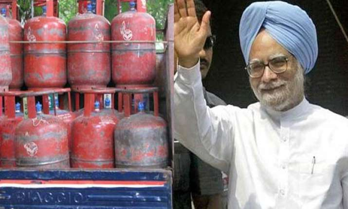 govt may hike lpg cylinder price to rs 800