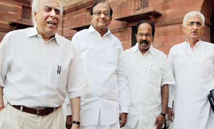govt rules out sending two lokpal drafts to cabinet