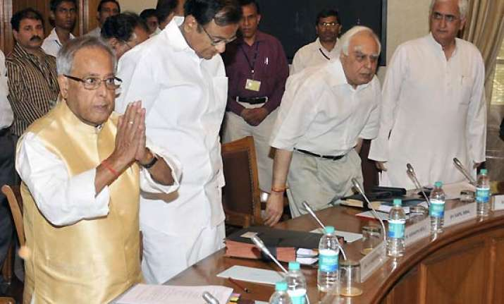govt very happy with outcome of all party meet on lokpal