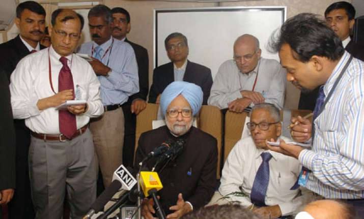 govt will work to restore growth momentum says pm