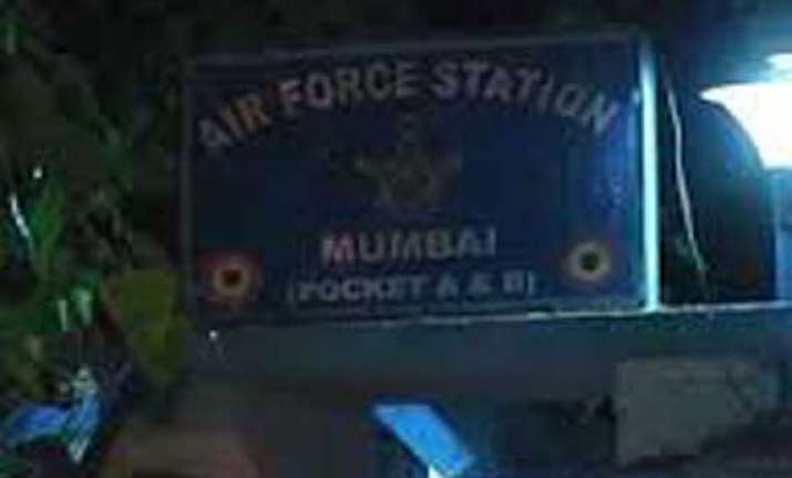 guard opens fire at santacruz air force station in mumbai 2
