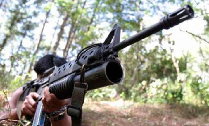 militants kill kashmir cop