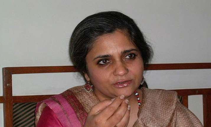 gujarat police probes fund sources of teesta s ngo