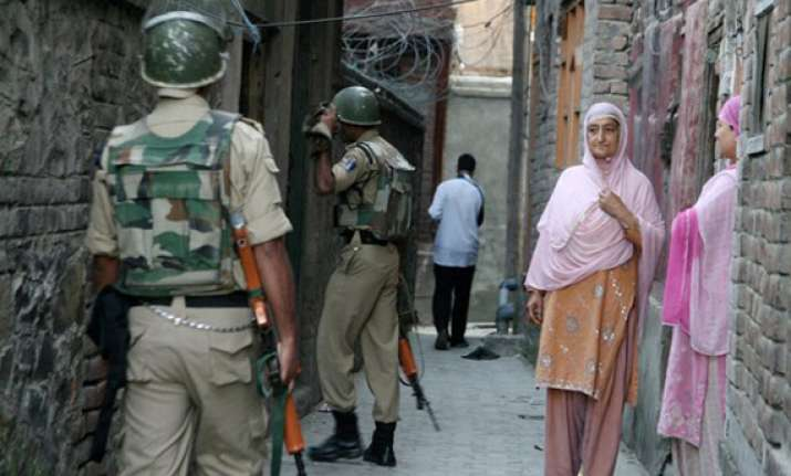 gunfight in srinagar residential area
