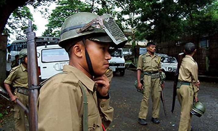 gunmen open fire at journalist s house in imphal