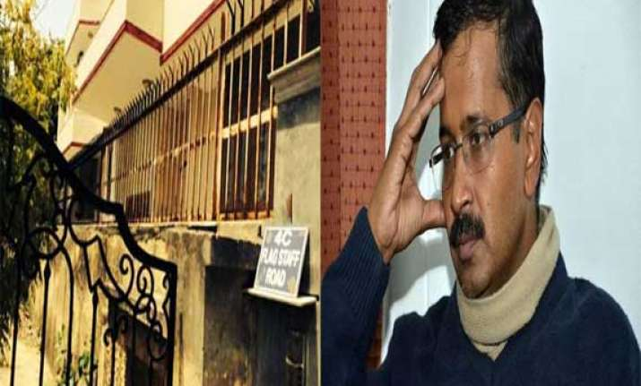 hc notice to owner who rented house to kejriwal