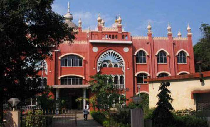 hc orders issue of notice to tn govt on pil