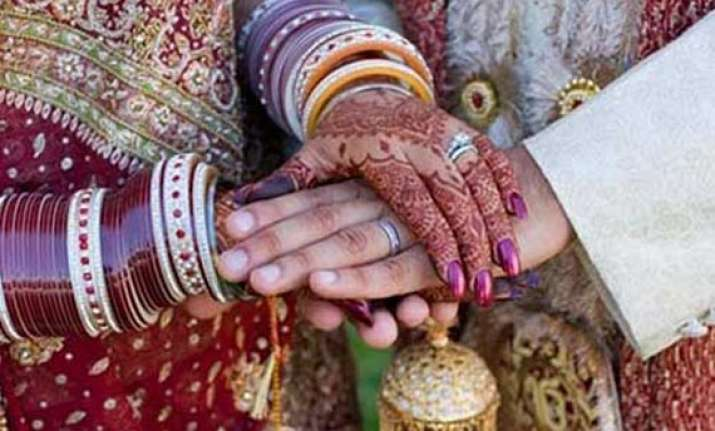 hc orders police protection to inter caste couple