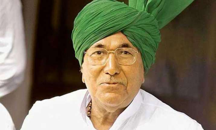 hc seeks cbi s response on chautala s plea for interim bail