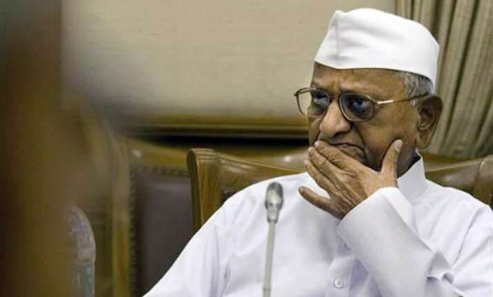hazare backtracks to agitate if bill not passed by aug 15
