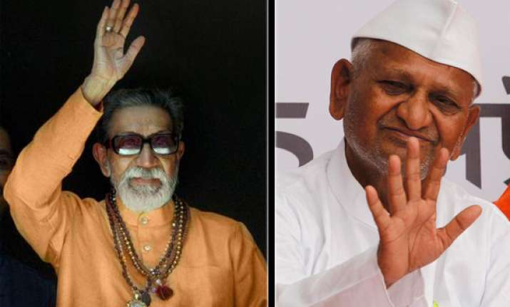 anna hazare should introspect says bal thackeray