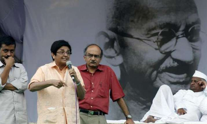 hazare slams incoherent illogical discussions on movement