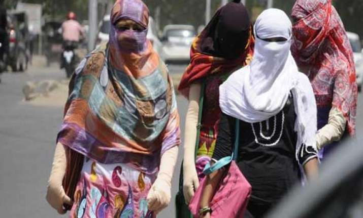 heat wave continues to grip gujarat three more dead