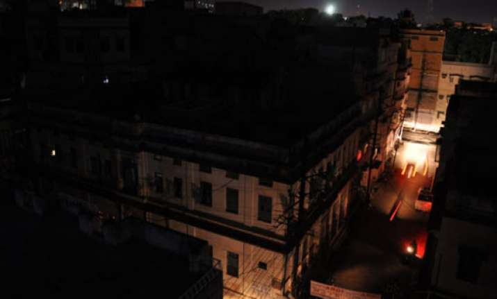 heat wave prompts power cuts in rajasthan