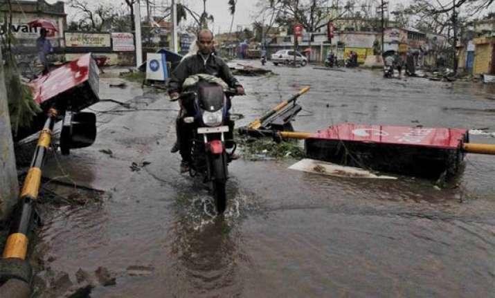 heavy rains wreak havoc in andhra 17 dead