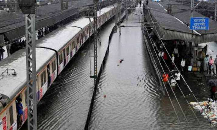 heavy downpour in thane leaves 50 villages submerged