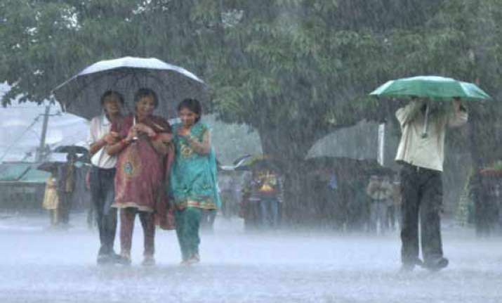 heavy rains continue in himachal
