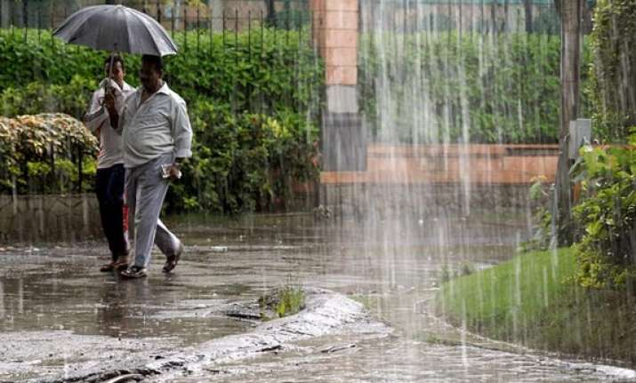 heavy rains lash bangalore cripple normal life