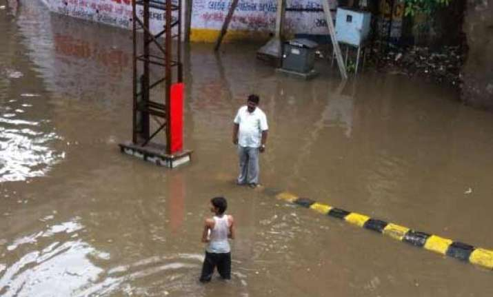 heavy rains lash parts of gujarat flood like situation in