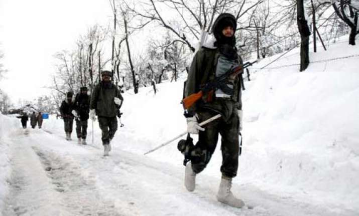 high danger avalanche warning in kashmir valley